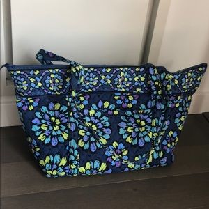 Vera Bradley Miller Travel bag in Indigo Pop